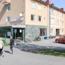 FSN fick i uppdrag att åtgärda ett bullerproblem genom byte till ljudfönster på Klintvägen i Umeå.