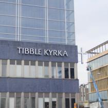 Fönsterbyte åt Tibble Kyrka, Täby, Stockholm